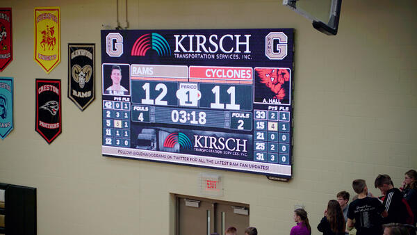 Glenwood-HS-1609-Basketball-Video-Scoreboard-Leaderboard-Closeup