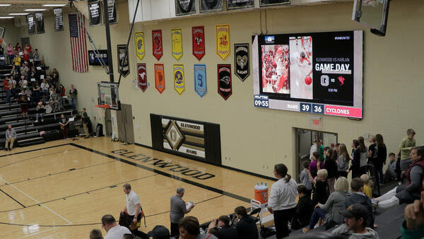 Glenwood-HS-1609-Basketball-Video-Scoreboard-with-Matchup-Graphic
