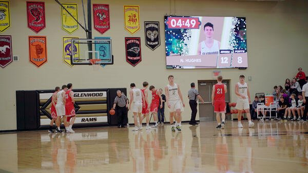 Glenwood-HS-1609-Basketball-Video-Scoreboard-with-Player-Accolade
