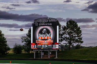 Elkhorn HS 3426 Football Video Scoreboard Pregame with Ad