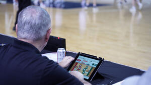 Basketball-Scorekeeper-App-at-Mid-America-Center
